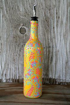 La botella de vino pintado a mano dispensador de por LucentJane, $35.00