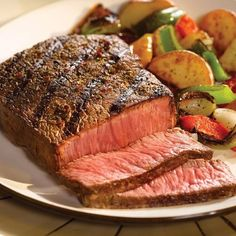 A succulent combination! Perfect for gift giving or a quiet evening at home, enjoy the hearty beef flavor of an Omaha Steaks Top Sirloin along with the per Omaha Steaks 2 oz.) Top Sirloins and 2 oz. Steak Recipes, Wine Recipes, Gourmet Recipes, Gourmet Gifts, Food Gifts, Carne Asada, Easy Dinner Party Recipes, Dinner Parties, Italian Beef Recipes