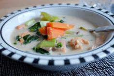 Kokosmilchsuppe mit Lachs! Low-Carb.