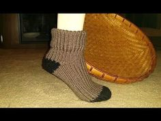 Loom knit tutorial: the big socks - YouTube