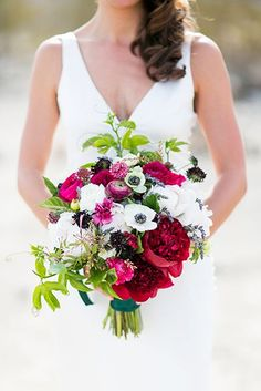 18 Stunning Wedding Bouquets For Any Type Of Bride #refinery29 http://www.refinery29.com/beautiful-wedding-bouquets#slide-16 These colors combine to make for the perfect clutch....
