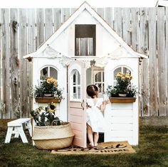 31 Free DIY Playhouse Plans to Build for Your Kids' Secret Hideaway Toddler Playhouse, Kids Indoor Playhouse, Outside Playhouse, Backyard Playhouse, Build A Playhouse, Backyard Playground, Playhouse Ideas, Girls Playhouse, Playground Ideas