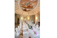 Lake Como, Italy. The Turquoise of Cernobbio. A very romantic dining room with decorated cieling. More pictures on www.lakecomoweddingdream.com #lakecomo #lakecomowedding #destinationwedding #lakecomovenues