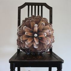 Pine cone pillow made to order van Plantillo op Etsy, $75,00
