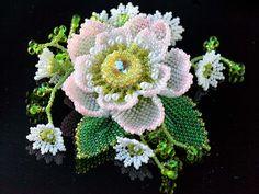八重桜と小花のゴージャスビーズコサージュ