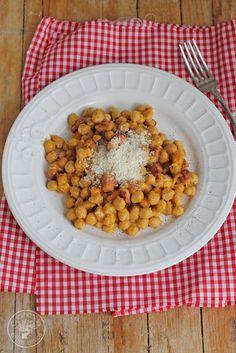 Cocinando entre Olivos: Cómo hacer Garbanzos a la carbonara. Receta paso a paso