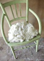 Chaise a tapisser on pinterest slipcovers chairs and stools - Restaurer une chaise ...