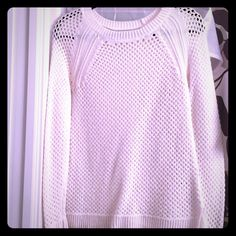 Old Navy White Sweater ❤️ Worn once. In mint condition! So warm and cozy! Old Navy Sweaters Crew & Scoop Necks