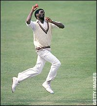 Michael Holding who played for the West Indies cricket team in seventies, was known as the fastest paste bowler in the world. Dangerous bouncers to the heads of players making him a deadly weapon for the West Indies cricket team. Test Cricket, Cricket Bat, Cricket Sport, Fast Bowling, World Cricket, Sports Personality, Star Wars, West Indian, World Of Sports