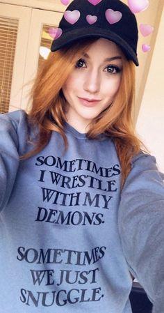 """""""Às vezes eu luto com meus demônios. Às vezes nós apenas nos aconchegamos."""""""