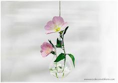 En el post de hoy vais a ver de qué formas las bombillas recicladas pueden ayudarnos a decorar de forma original y siendo respetuosos con el medio ambiente.