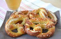 Bretzels inratables au Thermomix, de savoureux bretzels salés maison croustillants avec un intérieur bien moelleux, idéals pour pour des moments de fêtes.