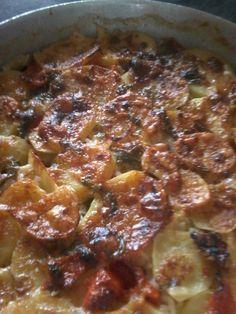 Patate Riso e Cozze ricetta originale from Bari Italian Recipes, Risotto, Chili, Buffet, Food And Drink, Menu, Soup, Bari, Vegetables