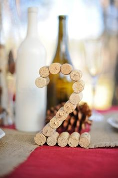 Wedding diy table numbers wine corks ideas for 2019 Wine Cork Wedding, Wine Wedding Favors, Craft Wedding, Table Wedding, Diy Wedding Table Numbers, Wedding Ideas, Wine Bottle Centerpieces, Wedding Centerpieces, Wedding Decorations