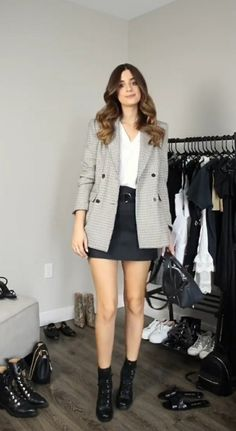 Casual Work Outfits, Blazer Outfits, Business Casual Outfits, Basic Outfits, Fall Outfits, Cute Outfits, Fashion Wear, Work Fashion, Fashion Outfits