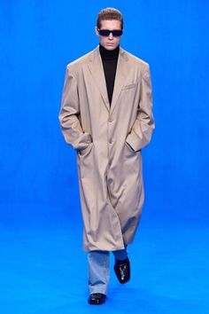 Look #22 / PARIS FASHION WEEK Edwardian Fashion, 1940s Fashion, Runway Fashion, Mens Fashion, Fashion Outfits, Paris Fashion, High Fashion, Fashion Goth, Fashion Weeks