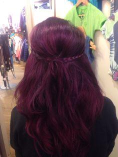 Mijn paarse haar. Was ook wel eens leuk voor een x maar nu toch maar weer rood