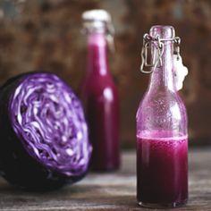 Purple Power - Live your life in color! Med et solidt fundament af rødkål, er denne juice særlig interessant, når vi taler om brystkræft. Forskning har nemlig vist, at kvinder der ofte indtager rødkål i rå form, har 50% mindre risiko for at udvikle brystkræft, end de kvinder, der aldrig rører rødkål.