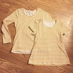 I finished off two new Lark tees this morning! I love this mustard striped from @raspberrycreekfabrics, even if it's probably not a great color for me. It's so nice when I can get up early enough to workout and do some sewing before all 3 kids get up! #larktee #grainlinestudioteridodds1grainlinestudio,fasewla2017makes,larktee