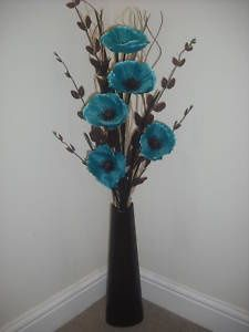 Eye-Opening Cool Tips: Simple Vases Decor vases decoration sheet music.Vases Centerpieces For Party vases centerpieces birthday.Paper Vases How To Make. Tall Vase Decor, Floor Vase Decor, Tall Floor Vases, Vases Decor, Wall Vases, Artificial Flower Arrangements, Floral Arrangements, Artificial Flowers, Black Vase