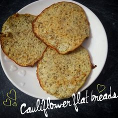 Syn free and packed full of speed food So we all know anything bready is going to hold a very high syn value So I was on the search for a good alternative after a few different failed attempts at bread substitutes, I came across a few slightly different Veggie Recipes, Paleo Recipes, Low Carb Recipes, Cooking Recipes, Veggie Dishes, Cauliflower Bread, Cauliflower Recipes, Bread Substitute, Speed Foods