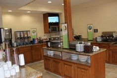 Country Inn & Suites breakfast buffet