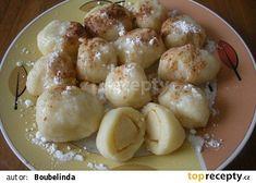 Jablkové knedlíky recept - TopRecepty.cz Czech Recipes, Ethnic Recipes, Sweet And Salty, Pretzel Bites, Gnocchi, Potato Salad, Recipies, Potatoes, Pasta