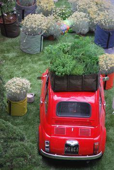 BACSAC planters! Get them at http://loopeedesign.com/perigot-bacsac-sitonit-fluxchair-authentics-buzzyspace-bobles-bensimon/bacsac.html
