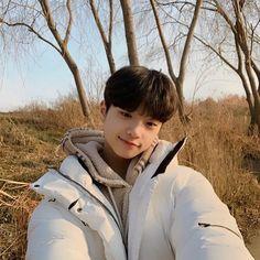 song donpyo as Arvie Yg Entertaiment, Produce 101, Hyungwon, Boyfriend Material, K Idols, South Korean Boy Band, My Boys, Boy Bands, Boy Groups