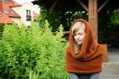 Simple cowl knitted in the round