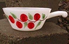 had this Fire King Cherries Vintage Kitchenware, Vintage Bowls, Vintage Dishes, Vintage Glassware, Vintage China, Vintage Love, Vintage Colors, Red And White Kitchen, Cherry Kitchen