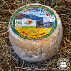 Queso Gamoneu del Valle Mini D.O.P. Se trata de una variedad de queso azul más curado, siendo uno de los quesos más solicitados. Elaborado con 3 leches ( vaca, oveja y cabra ), aunque también existen de dos leches. http://www.elmercadodelnorte.com/categoria-producto/quesos/