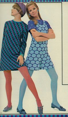 Retro Fashion Colorful prints and tights! 60s Fashion Trends, 60s And 70s Fashion, 60 Fashion, Fashion History, Fashion Photo, Vintage Fashion, Fashion Women, Fashion Ideas, Vintage Outfits