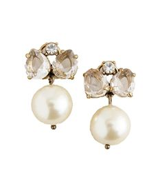 Pearl earrings for mother of the bride. Perfect and beautiful