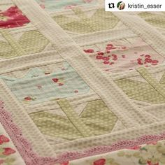 Look at the tinytulipsquilt using laconnerfabric that kristinesser worked onhellip