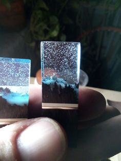 Фотография Clear resin cast with glo in dark powder sprinkle. Snow possibly with fumed silica or colloidal silica.