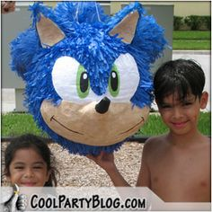 Custom Sonic Piñata created ONLY from papier-mâché- by Cool Party Elements Sonic Birthday Cake, Sonic Birthday Parties, Sonic Party, Elmo Party, 8th Birthday, Birthday Party Themes, Hedgehog Birthday, Monster Inc Party, Ideas Para Fiestas