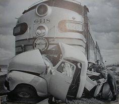 antique auto wrecks | Vintage Car Wrecks!