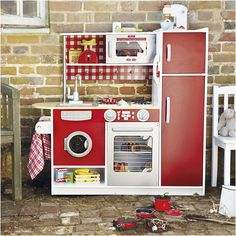 pare size of play kitchens height width and depth from Toy Kitchen Accessories Uk