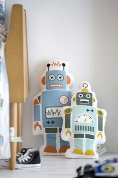 Robot Pillows - could make from freezer paper stencils on old t-shirts or sheets