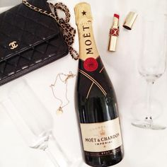 It's time to drink champagne and dance on the table #party #moetandchandon #moet #chanel #ysl #tiffanyandco #lauriilyy #lyhoang #lymademoiselle #citytalkly