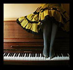 Play Beautiul New Age Piano In or Less. Tomoe, Kyoko Sakura, Piano Recital, Piano Music, Piano Keys, Music Music, Live Music, Sheet Music, My Escape
