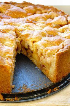 homemade appeltaart 4 Apple Cake Recipes, Fruit Recipes, Sweet Recipes, Baking Recipes, Dutch Apple Cake, Best Coffee Cake Recipe, Belgian Food, Pie Cake, No Bake Desserts