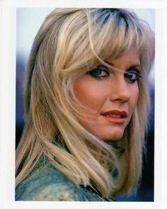 Music of Olivia Newton John Most Beautiful Women, Beautiful People, Stunning Women, Light Brown Hair, Female Singers, Classic Beauty, Stevie Nicks, Beautiful Actresses, Pretty Woman