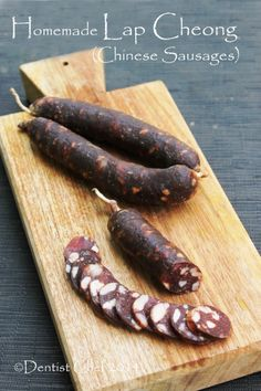 Recipe Homemade Chinese Sausage Lap Cheong or Dry Cured Pork Sausage homemade lap cheong chinese sausage recipe how to make dry chinese sausage Pork Sausage Recipes, Homemade Sausage Recipes, Spicy Sausage, Meat Recipes, Cooking Recipes, Chorizo, Gravlax Recipe, Chinese Sausage, Charcuterie Recipes