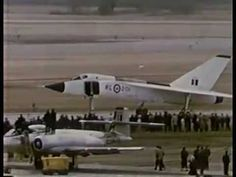 This video show the Avro Arrow, a Canada's made supersonic fighter interceptor, and what made it great. Airplane Fighter, Fighter Aircraft, Fighter Jets, Military Jets, Military Aircraft, Avro Arrow, Low Cost Flights, Private Pilot, Video Full