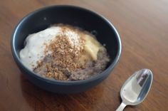 Banana and coconut chia pudding with sweet dukkah (#paleo friendly)
