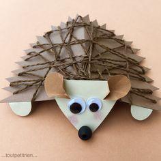Petit hérisson en papier cartonné et ficelle brune. www.toutpetitrien.ch/bricos/ - fleurysylvie Fall Arts And Crafts, Autumn Crafts, Fall Crafts For Kids, Diy For Kids, Fun Crafts, Diy And Crafts, Fall Art Projects, Projects For Kids, Animal Crafts For Kids