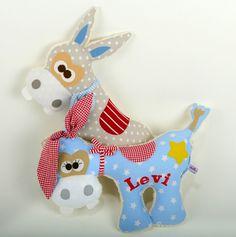 """*Esel s kuh """"Don und El Paco"""" *  El Paco ist die ausgereiftere Version,denn er trägt pony...wenn er besonders cool aussehen will. *Mittels Knoten..."""