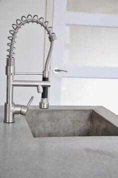 Concrete love - Love concrete in kitchen and that tap is heaven. Concrete Sink, Concrete Kitchen, Kitchen Taps, Concrete Countertops, New Kitchen, Kitchen Storage, Kitchen Dining, Dirty Kitchen, Concrete Interiors